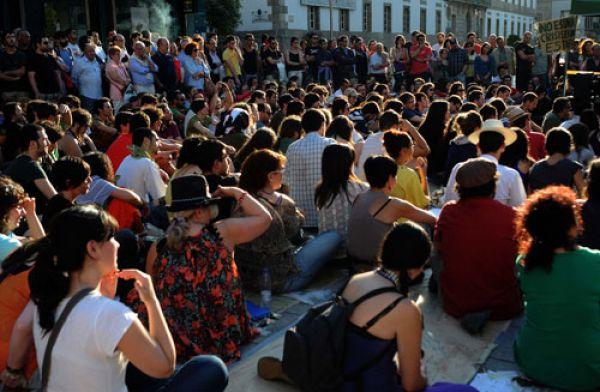 Los 'indignados' en una asamblea en Vigo. Foto: Miguel Núñez.