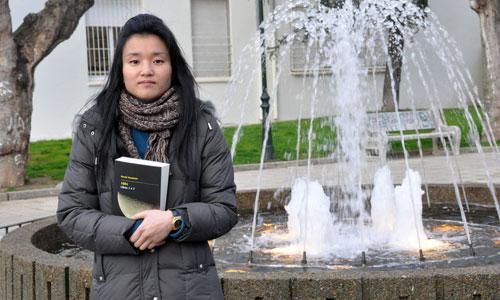 A tradutora de orixe xaponés Mona Imai.