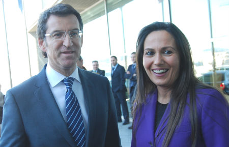 El presidente Feijóo, con la nueva delegada de la Xunta en Vigo, María José Bravo