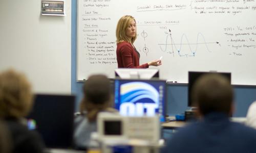 Cristina Crespo imparte clases no Oregon