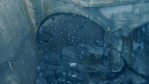 Llegada de la primera de las tuneladoras tras completar el túnel entre As Maceiras y Vigo
