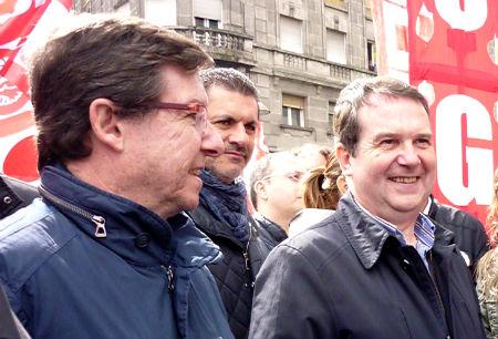 Abel Caballero con los concelleiros Rivas y Font