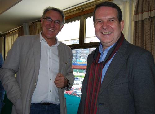 El alcalde de O Barco, Alfredo García, junto a Abel Caballero, en Hotel Coia, con el Bernardo Alfageme al fondo/Tresyuno Comunicación