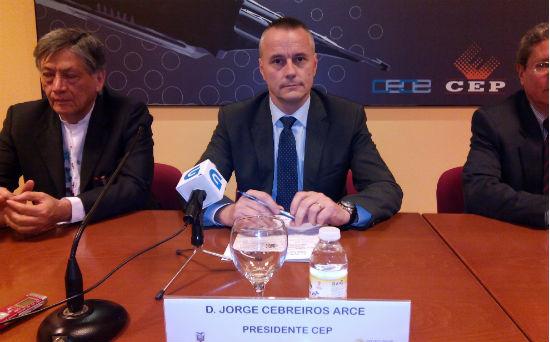 Jorge Cebreiros, este viernes en Vigo, acompañado por el embajador de Ecuador en España, Miguel Calahorrano/Tresyuno Comunicación
