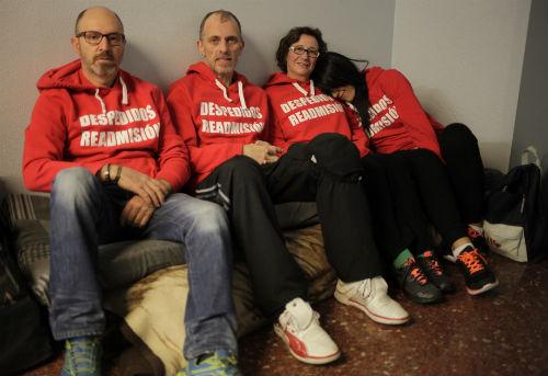 Eduardo Dávila, Chus Neira y Carmen Couto, estuvieron en huelga de hambre dos semanas, hace casi una se les unió Alejandro Villa, uno de los 13 despedidos/Foto: FELIPE CARNOTTO