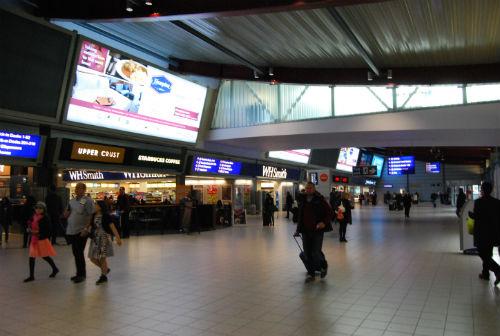 Parte del Aeropuerto de Luton/Tresyuno Comunicación