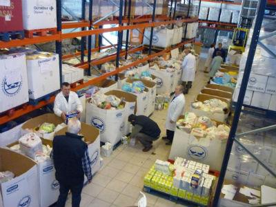 voluntarios contabilizando alimentos Operación Kilo (nave Banco Alimentos) (2)