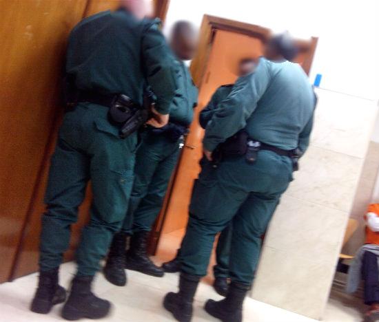 Los agentes con los cuales, presuntamente, Domitila tuvo una 'conducta agresiva y violenta'