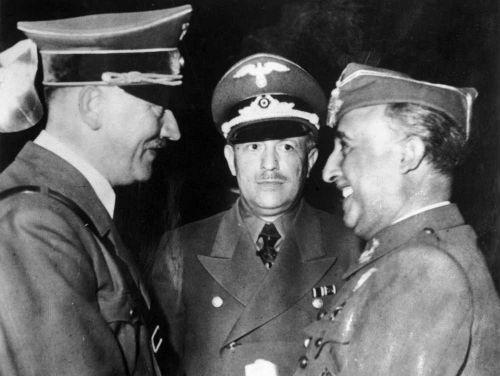Hitler y Franco dándose la mano en Hendaya...Franco es el más sonriente