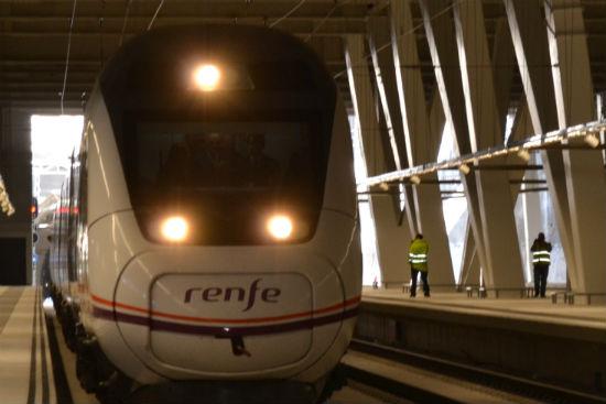 El tren entrando en Vigo/Tresyuno Comunicación