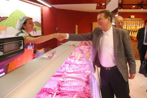 El alcalde recorrió el nuevo centro este jueves por la mañana/Tresyuno Comunicación