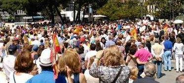La 'concurrida' concentración en la Plaza de Colón de Madrid