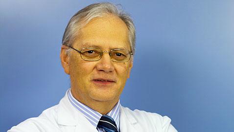 El doctor vigués Eduardo Martinez Vila