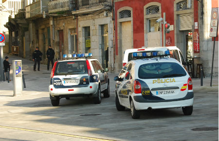 Policía Nacional/Tresyuno Comunciación