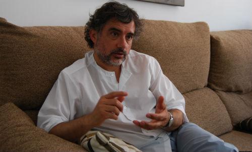 Rodríguez repitió, de manera gráfica, que el despacho del alcalde y de los concejales debían de ser las calles, las pistas, las casas, las fincas, los caminos, los lugares donde están habitualmente los vecinos/Tresyuno Comunicación