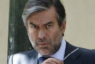 Uno de esos jueces es Enrique López, que entró en el Tribunal Constitucional a propuesta del PP y tuvo que dimitir hace un año tras ser imputado por conducir borracho