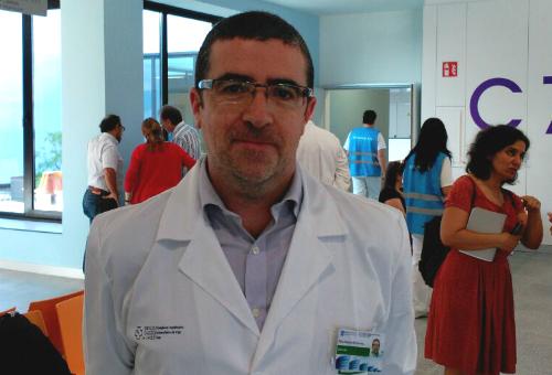 El gerente del Área Sanitaria de Vigo, este lunes en el nuevo hospital/Tresyuno Comunicación