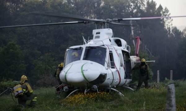 Helicóptero en un incendio