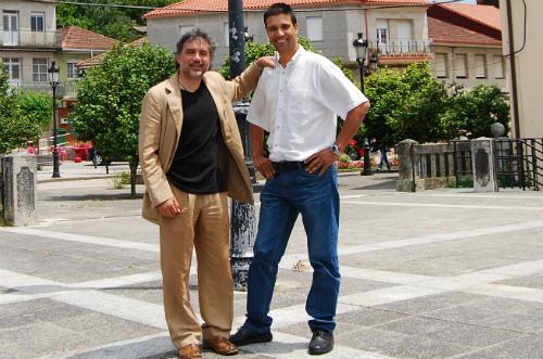 O nacionalista Xosé Manuel Rodríguez, que asumirá a Alcaldía, e o socialista Eduardo Mariño, que será o primeiro tenente de alcalde, durante a entrevista concedida a vigoalminuto