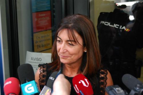 Una de las hermanas, Ramona Sánchez, confirmando a los periodistas que el problema había sido solucionado