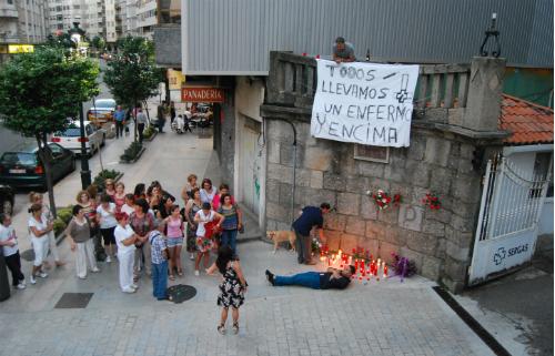 Trabajadores del Nicolás Peña, en el velatorio celebrado este jueves desde las 9 y media de la noche/Tresyuno Comunicación