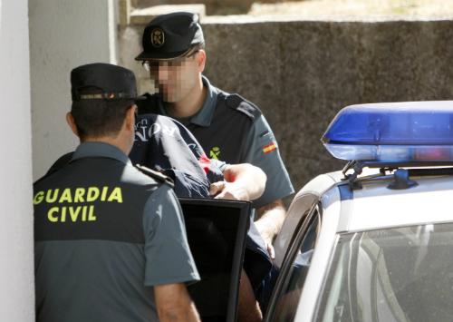 El detenido en relación por el doble asesinato de Arbo,lleegó al Juzgado de Ponteareas custodiado por la Guardia Civil