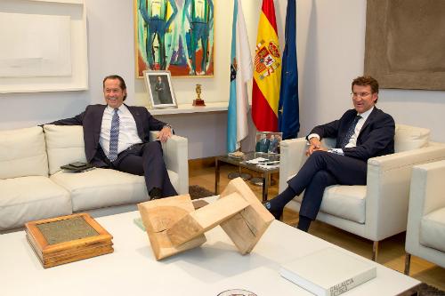 El vicepresidente de Abanca, Juan Carlos Escotet, y el presidente Feijóo