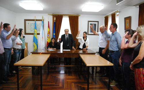 El Pleno del Concello de Arbo aprobó decretar tres días de luto oficial/Tresyuno Comunicación
