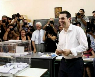 El primer ministro Tsipras votando este domingo