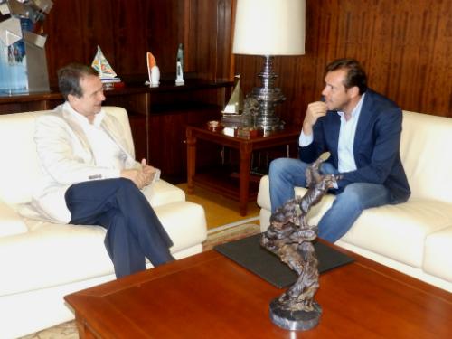 Abel Caballero,con el alcalde de Valladolid, Óscar Puente, este martes en Vigo