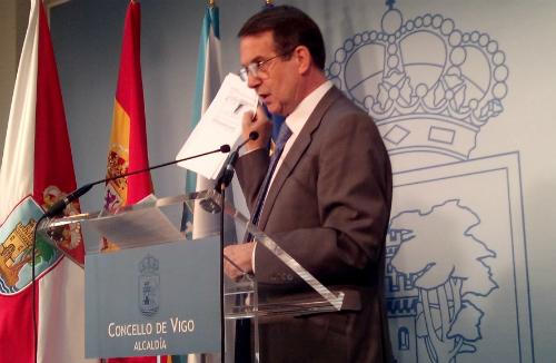 El alcalde, este martes, durante la rueda de prensa/Tresyuno Comunicación