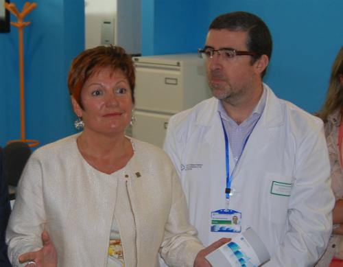 La conselleira de Sanidade, Rocío Mosquera y el gerente del Área Sanitaria de Vigo, Felix Ruibal