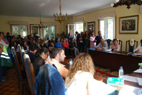 El Salón de Plenos, abarrotado durante la sesión de la Corporación