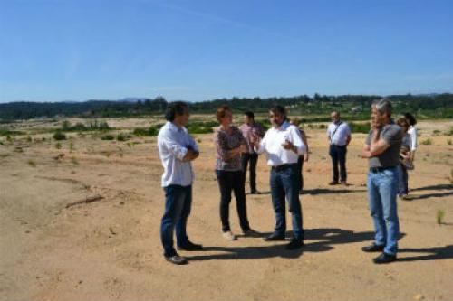 O alcalde de As Neves-no centro-nunha visita á PLISAN (arquivo)