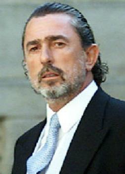 Correa llegando a la boda de la hija de Aznar