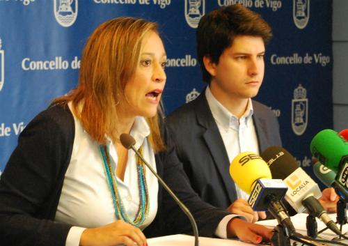 Elena Muñoz, este martes, durante la rueda de prensa que ha convocado en el Concello/Tresyuno Comunicación