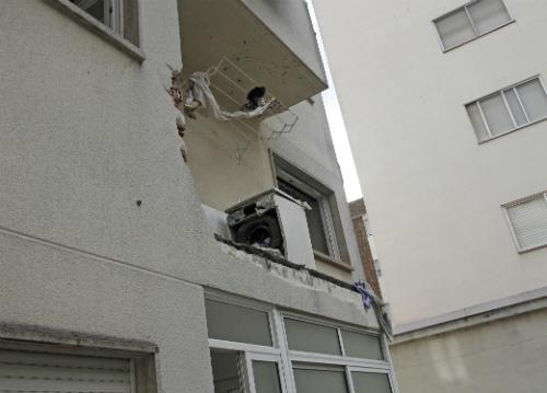 La explosión se llevó por delante el balcón de la cocina