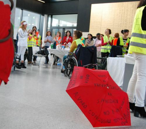 Celadores en huelga en el Álvaro Cunqueiro/Tresyuno Comunicación