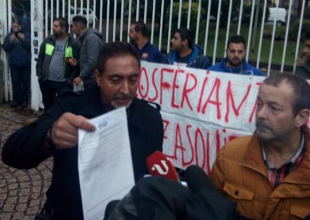 LOs vendedores ambulantes pidieron al alcalde que reabriese los mercados de Bouzas y A Bouza/Tresyuno Comunicación