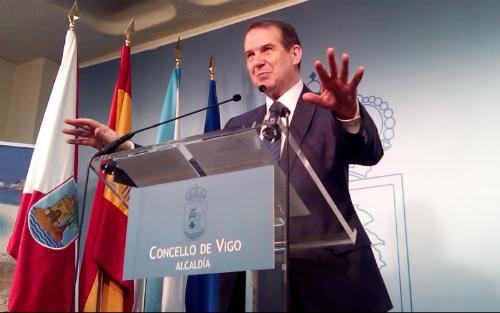 El alcalde, este jueves durante una comparecencia de prensa en el Concello/Tresyuno Comunicación