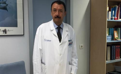 O xefe de servizo de Reumatoloxía do Chuvi, o doutor Ceferino Barbazán