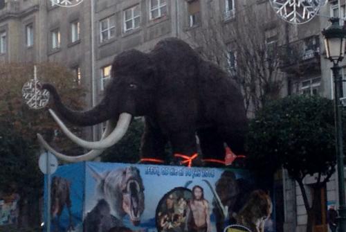 EL mamut en Gran Vía/Tresyuno Comunicación