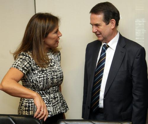 La conselleira Beatriz Mato y el alcalde, este miércoles en Santiago/Foto:Xunta
