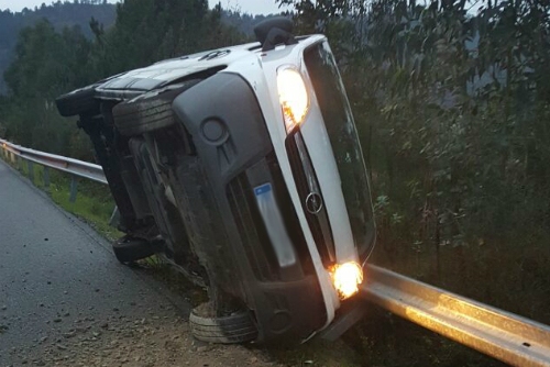 Espectacular accidente en Marín. Foto:Cedida