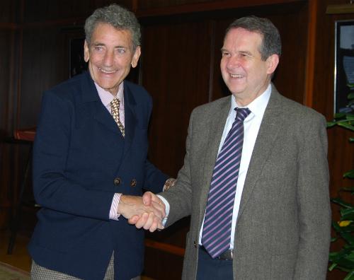 El presidente del Celta Carlos Mouriño y el alcalde de Vigo Albel Caballero, este viernes en el Concello/FOto: vigoalminuto.com