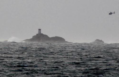 Operativo de rastreo en el islote Agoeiro en Cíes/Foto:vigoalminuto.com