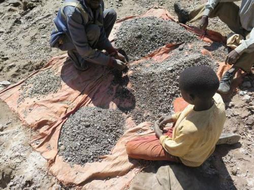 Fotografía difundida por Amnistía Internacional sobre la extracción de cobalto en la República Democrática del Congo Fotografía: AI y Afrewatch