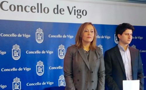 LOs concelleiros populares Elena Muñóz y Diego Gago