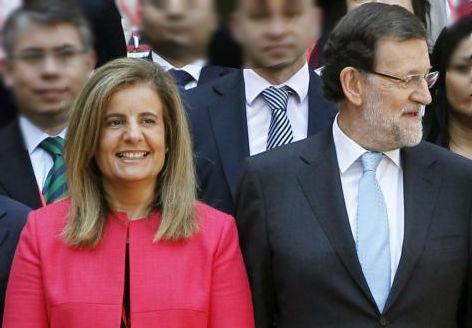 El presidente del Gobierno en funciones con Fátima Báñez, ministra de Empleo, también en funciones