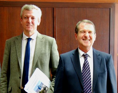 El vicepresidente del Gobierno de Galicia, Alfonso Rueda, y el alcalde Caballero antes del inicio de la reunión/Foto:vigoalminuto.com
